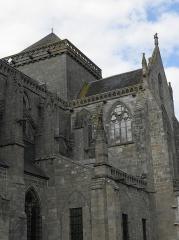 Ancienne cathédrale Saint-Samson -  Vue extérieure de la salle capitulaire et du transept sud de la cathédrale Saint-Samson de Dol-de-Bretagne (35).