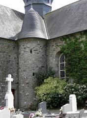 Eglise Saint-Martin - Église Saint-Martin de Fleurigné (35). Tourelle d'accès au clocher.