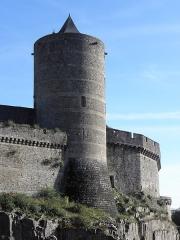 Château - Extérieur de la Tour Mélusine du Château de Fougères (35).