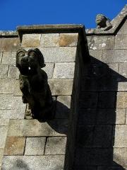Eglise Saint-Léonard - 3ème gargouille de la façade sud de l'église Saint-Léonard de Fougères (35). Numérotation d'ouest en est.