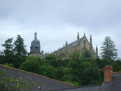Eglise Saint-Léonard - L'Eglise Saint-Léonard de Fougères, Ille et Vilaine. Vue de la ville basse.