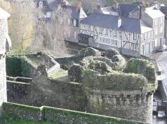 Anciens remparts Sud et Ouest - La Porte Notre-Dame à Fougères (35).