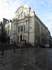 Théâtre municipal - Façades principale et septentrionale du Théâtre Victor Hugo à Fougères (35).