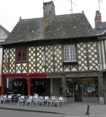 Maison Hunault - Français:   Maisons aux 4-6 rue de Nantes à La Guerche-de-Bretagne (35).