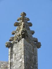 Eglise Saint-Patern - Extérieur de l'église Saint-Patern de Louvigné-de-Bais (35). Pinacle sud du chevet.
