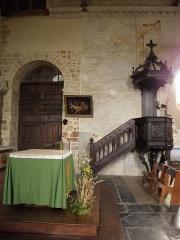 Eglise Saint-Crépin ou Saint-Crépinien - Arcade et fenêtre romanes de la nef de l'église de Rannée (35).
