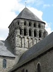 Ancienne abbaye Saint-Sauveur - Tour romane à la croisée du transept de l'abbatiale Saint-Sauveur de Redon (35).
