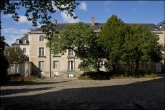 Ancienne abbaye Saint-Melaine - Français:   Cour et aile de l\'ancien archevêché de Rennes