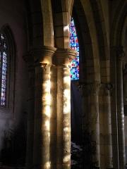 Eglise Notre-Dame-en-Saint-Mélaine - Français:   Piliers du chœur de l'église Notre-Dame-en-Saint-Melaine de Rennes.