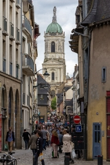 Eglise Notre-Dame-en-Saint-Mélaine - Français:   Perspective sur l\'église Notre-Dame-en-Saint-Melaine depuis le contour Saint-Aubin à Rennes (France).