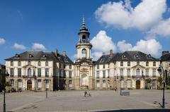 Hôtel de ville - Français:  Façade de l'hôtel de ville de Rennes (France).