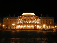 Théâtre et immeubles dits Galeries du Théâtre -  L'Opéra de Rennes, de nuit