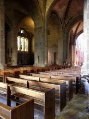 Ancienne cathédrale Saint-Vincent - Intérieur de la cathédrale Saint-Vincent de Saint-Malo (35). Vue septentrionale de la nef, du transept et du chœur. Au fond, l'aide Saint-Côme.
