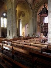 Ancienne cathédrale Saint-Vincent - Intérieur de la cathédrale Saint-Vincent de Saint-Malo (35). 2ème troisièmes travées. Au fond, l'aile Saint-Côme.