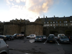 Château et fortifications -  Remparts de Saint-Malo: la Grande-Porte.