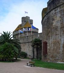 Château et fortifications - Les remparts de la cité de Saint-Malo.-  le Château