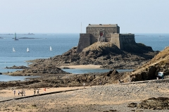 Fort du Petit Bé - English: The fort of Petit Bé in Saint-Malo, seen at low tide.