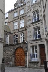 Immeuble - English: Saint-Malo (France, Brittany) building 10 cour La Houssaye