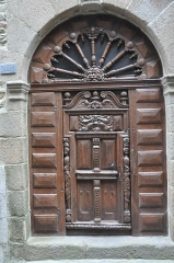 Maison - English: Saint-Malo (France, Brittany), wooden door 2 street Mahé de la Bourdonnais