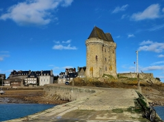 Tour Solidor et ouvrages avancés - Français:   La tour Solidor