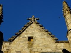 Eglise Notre-Dame - 1ère chapelle de la façade sud de l'église Notre-Dame de Vitré (35). Pignon.
