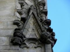 Eglise Notre-Dame - 2ème contrefort de la façade sud de l'église Notre-Dame de Vitré (35).