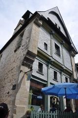 Maison ou Hôtel de la Botte Dorée - English: Hôtel de la Botte Dorée located at 20 rue d'Embas in Vitré in the departement of Ille-et-Vilaine, France. The building is registered as a historical monument by the French Ministry of Culture.