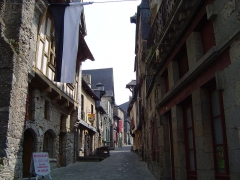Maison - English: Medieval Street in Vitré