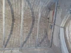 Ancienne chapelle du Saint-Esprit, puis caserne Duguesclin - English: Vue intérieure de la charpente de la chapelle Saint-Esprit, place du Four Mollet, rue des Fèves à Auray