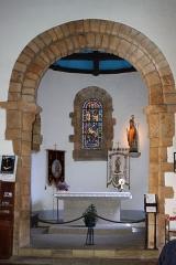 Chapelle Saint-Cado - Choeur et maître-autel, chapelle Saint-Cado, Fr-56-Belz.