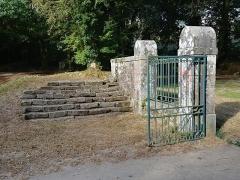 Chapelle expiatoire du Champ-des-Martyrs - Chapelle expiatoire du Champ-des-Martyrs à Brech en France.