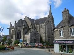 Eglise Saint-Alban - Français:   Église Saint-Alban d\'Elven - Place de l\'Église