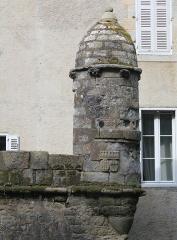 Château de Kéravéon - Français:   Château de Kéravéon: échauguette sud-est