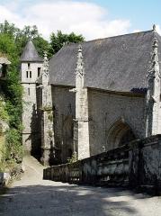 Chapelle Sainte-Barbe et maison du garde - Français:   Le Faouët (Bretagne, Morbihan) Chapelle Sainte-Barbe