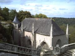Chapelle Sainte-Barbe et maison du garde - Français:   Vue générale