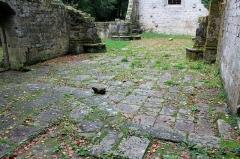 Chapelle Notre-Dame de Burgo - Chapelle Notre-Dame du Burgo: pavage chœur