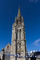 Eglise Notre-Dame-du-Roncier - Clocher de la basilique Notre-Dame-du-Roncier à Josselin.