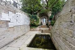 Fontaine de la Vierge, dite Fontaine Miraculeuse - Français:  Fontaine Notre-Dame-du-Roncier de Josselin (France).