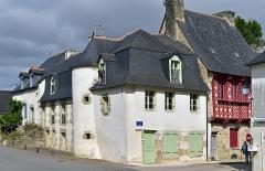 Immeuble - Français:   Maison 3 rue des Devins à Josselin, Morbihan, France