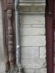 Maison datée de 1538 - Français:   Maison inscrite sise 3 rue Georges Le Berd à Josselin (56). Poteau cornier et mur pignon droit.