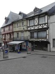 Maison du 15e siècle - Français:   Maison sise 1 rue Olivier de Clisson à Josselin (56).