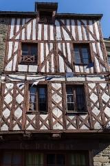 Maison à pans de bois - Français:   Maison à pans de bois, 34 rue des Trente à Josselin.
