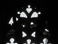 Eglise ou chapelle Notre-Dame - Fragments de vitraux anciens conservés en la chapelle Notre-Dame de Kernascléden (56).