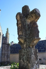 Eglise Saint-Théleau - Église Saint-Théleau (Landaul): croix extérieure