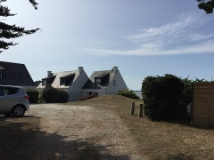 Tumulus-dolmen - This building is indexed in the Base Mérimée, a database of architectural heritage maintained by the French Ministry of Culture,under the reference PA00091356 .