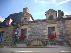 Maison - Français:   Maison, 9 place du Bouffay, à Malestroit (Morbihan, France)