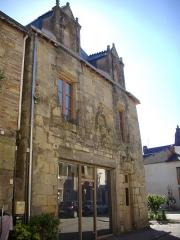 Maison du 16e siècle - Français:   Maison, 21 rue du Général-de-Gaulle, à Malestroit (Morbihan, France)