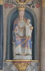 Chapelle Notre-Dame-de-Légevin - , Chapelle Notre-Dame-de-Légevin, statue de Notre-Dame de Quelven assise dans le retable