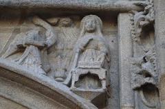 Eglise Saint-Armel - Portail nord de l'église Saint-Armel de Ploërmel (56). Annonciation.
