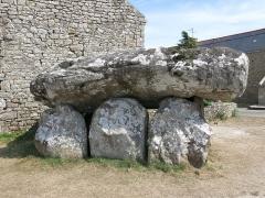 Dolmen de Crucuno - Français:   Dolmen de Crucuno situé sur la commune de Plouharnel, près de la limite de la commune d\'Erdeven